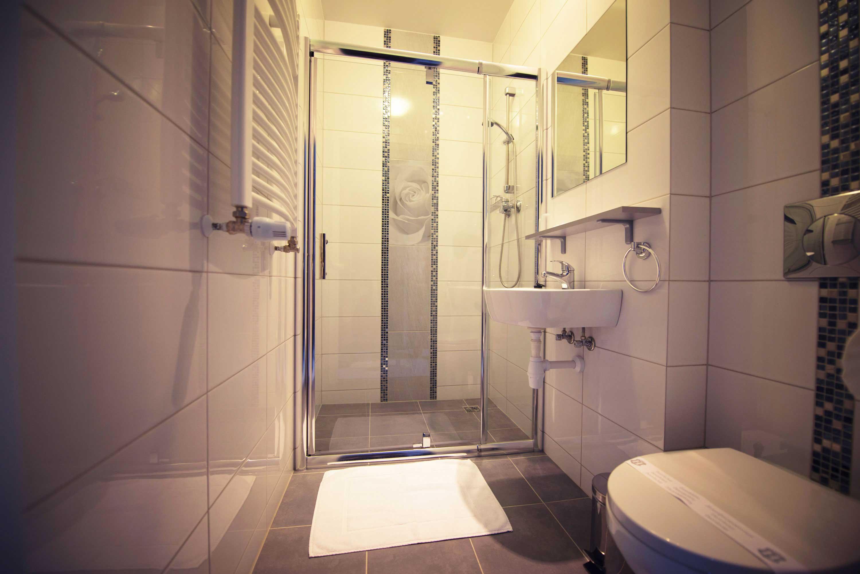 Pokój jednoosobowy - łazienka